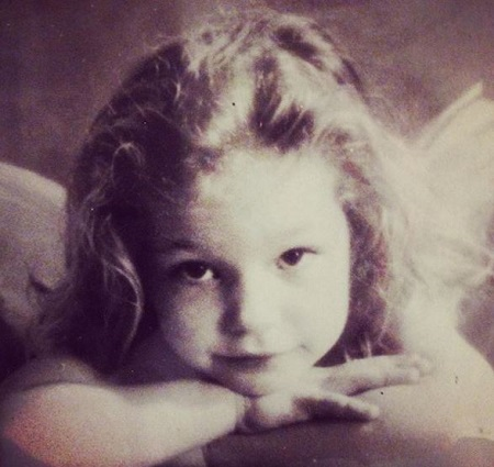 Childhood image of Perdita Weeks Source: Instagram @perdita_weeks